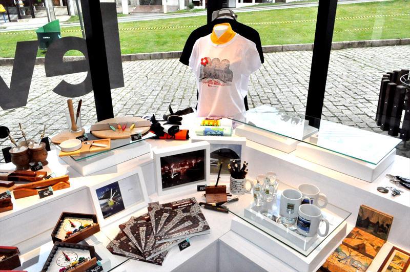 b81c94782 Leve Curitiba oferece produtos personalizados para empresas ...