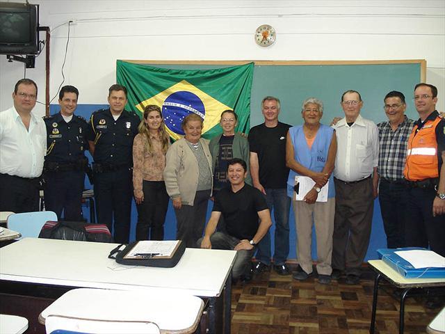 A Guarda Municipal de Curitiba e a Defesa Civil do município passaram a integrar o Conselho Comunitário de Segurança (Conseg) do Bairro Alto como membros natos.  Curitiba, 06/2010Foto:Divulgação
