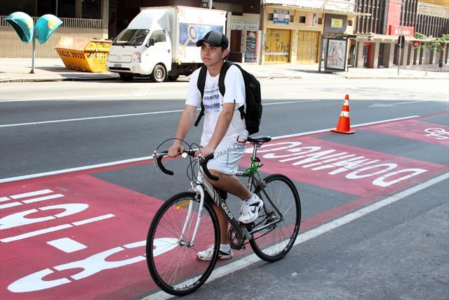 Rafael Augusto Feliz, participa do 1º Circuito Ciclofaixa de Lazer de Curitiba. Curitiba, 23/10/2011 Foto: Guilherme Dala Barba/SMELJ