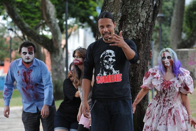 A 5ª Zombie Walk faz parte do 14º Psycho Carnival, um festival de bandas nacionais e estrangeiras que vai da Festa do Esquenta,sexta-feira (8), até a terça-feira (12), no Espaço Cult. -Na imagem, organizador Docca Soares. Curitiba, 31/01/2013 Foto: Everson Bressan/SMCS