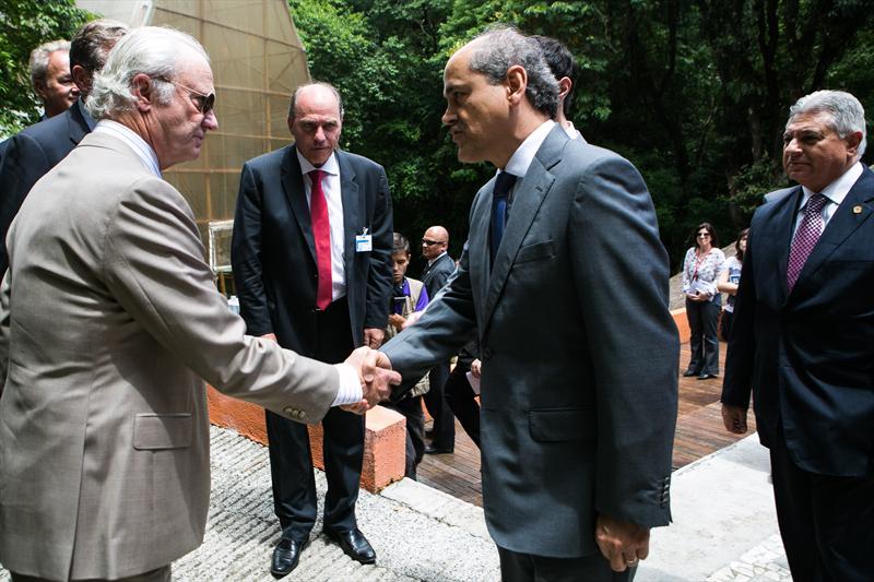 Prefeito Gustavo Fruet recebe o Rei Carlos XVI Gustavo da Suécia. Foto: Maurilio Cheli/SMCS