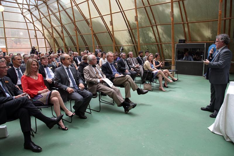 Prefeito Gustavo Fruet recebe o Rei Carlos XVI Gustavo da Suécia. Foto: Jaelson Lucas/SMCS