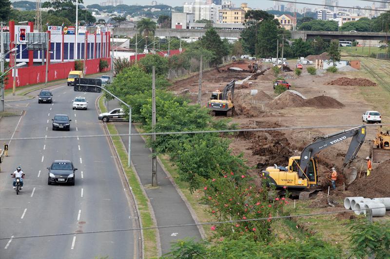 As obras no entorno da Rodoferroviária de Curitiba, que irão melhorar o acesso de ônibus ao local,  iniciaram e estão em ritmo acelerado. Curitiba, 14/02/2014 Foto:Cesar Brustolin/SMCS