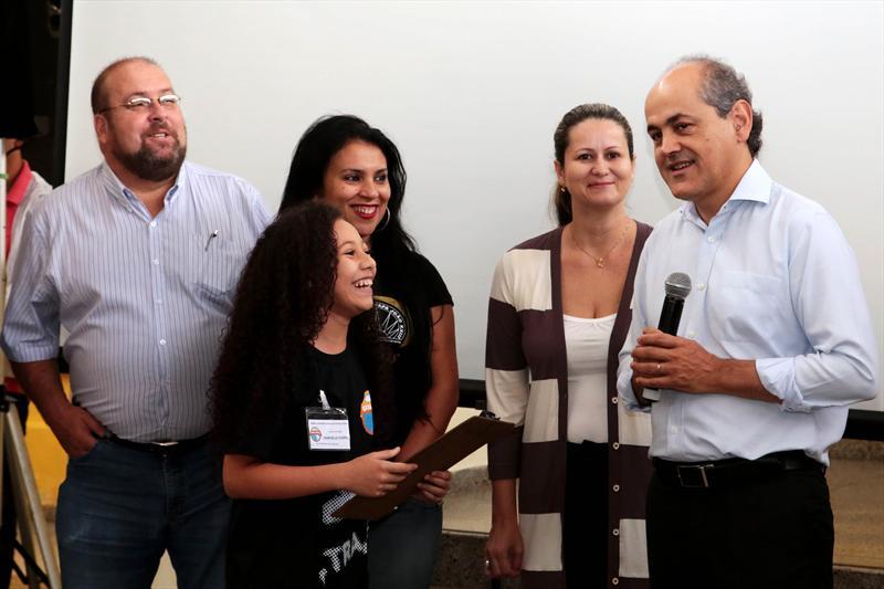 Estudantes da rede municipal de ensino de Curitiba vão participar das discussões para a revisão do Plano Diretor do município. Por meio do projeto Urbanista Mirim, lançado na manhã desta sexta-feira (14). Curitiba, 14/03/2014 Foto: Jaelson Lucas / SMCS
