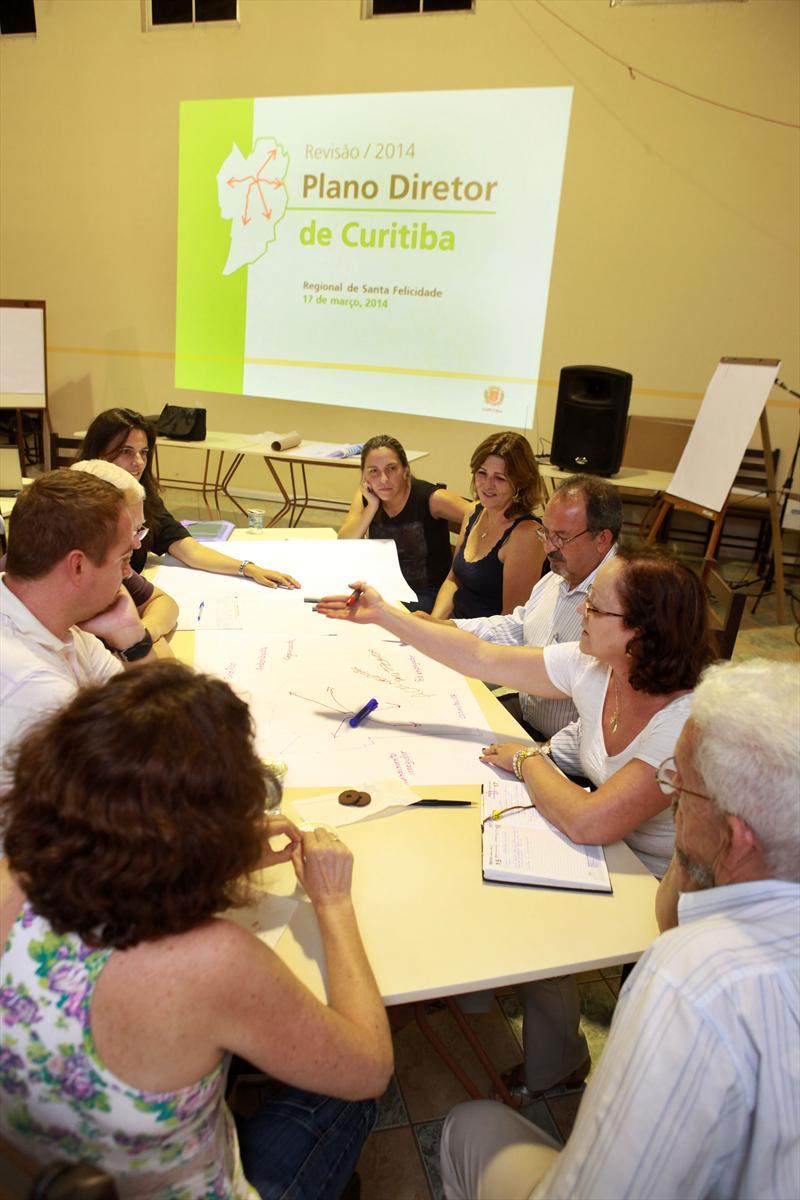 IPPUC organiza oficina do Plano Diretor de Curitiba na Regional Santa Felicidade. Curitiba, 17/03/2014 Foto:Cesar Brustolin/SMCS