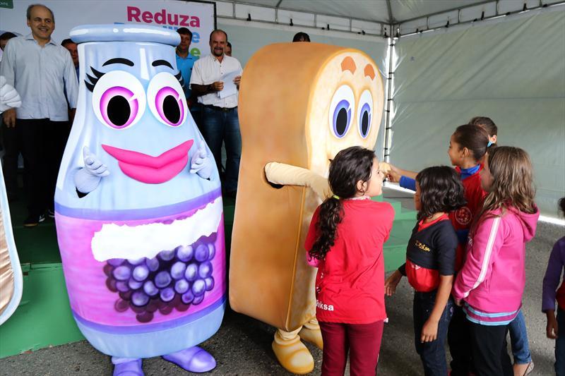 Lançamento campanha para Redução, Reutilização e Reciclagem de lixo. Curitiba, 05/04/2014 Foto: Valdecir Galor/SMCS