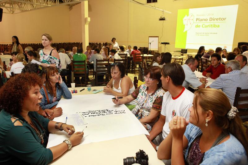 As 10 oficinas preparatórias para a revisão do Plano Diretor realizadas nas Regionais contaram com a participação de pelo menos 788 pessoas. Curitiba, 17/03/2014 Foto:Cesar Brustolin/SMCS