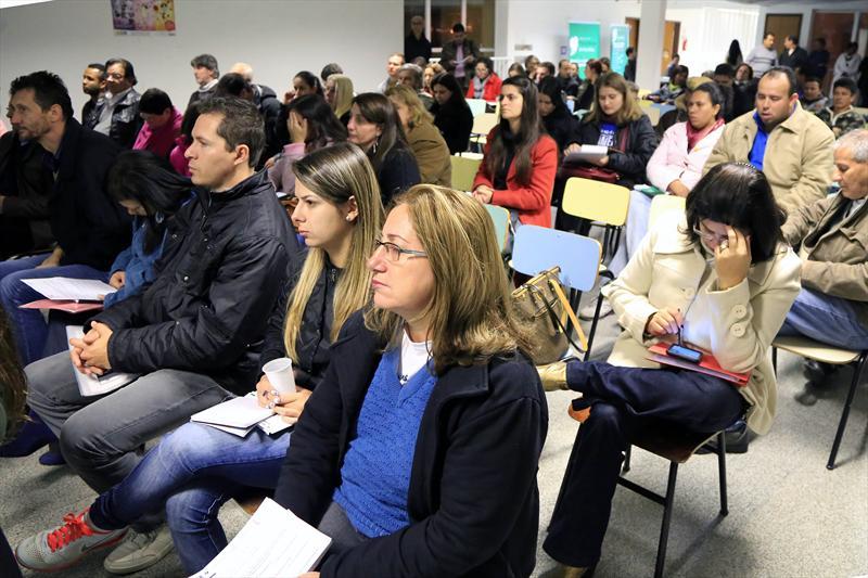 Audiência pública realizada na Regional do Bairro Novo aonde foram apresentadas as etapas da revisão do Plano Diretor de Curitiba. Curitiba, 29/05/2014 Foto: Everson Bressan/SMCS