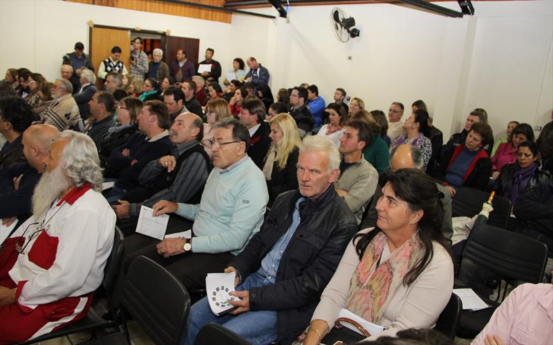 A Prefeitura de Curitiba realizou na noite desta quinta-feira (06) a audiência pública sobre a revisão do Plano Diretor, na Rua da Cidadania da Regional de Santa Felicidade. Foto: Lucilia Guimarães/IPPUC