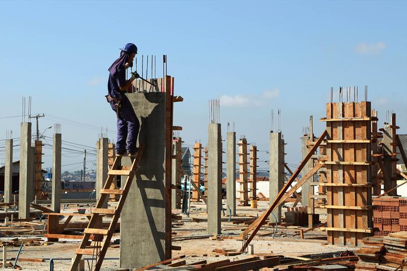 Curitiba vai construir mais 14  Centros Municipais de Educação Infantil (CMEIs). -Na imagem, CMEI Diadema em obras. Curitiba, 20/05/2014 Foto: Luiz Costa/SMCS