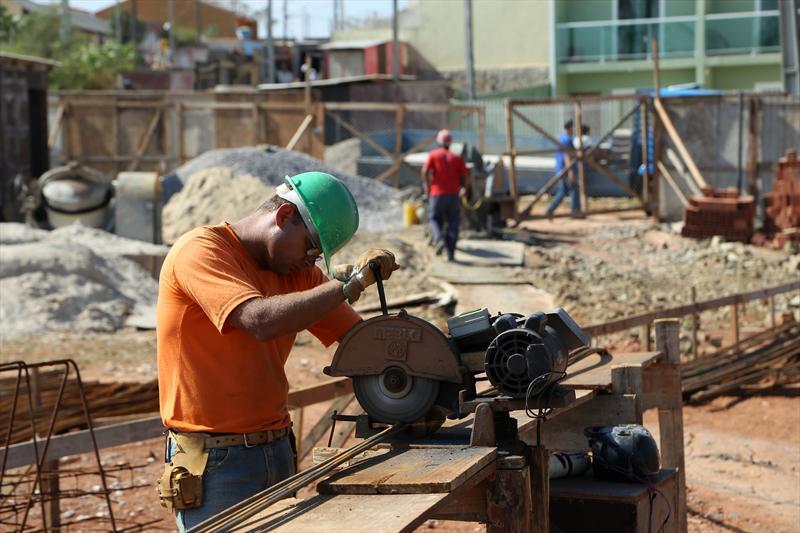 Curitiba vai construir mais 14  Centros Municipais de Educação Infantil (CMEIs). -Na imagem, CMEI Timbori em obras. Curitiba, 20/05/2014 Foto: Luiz Costa/SMCS