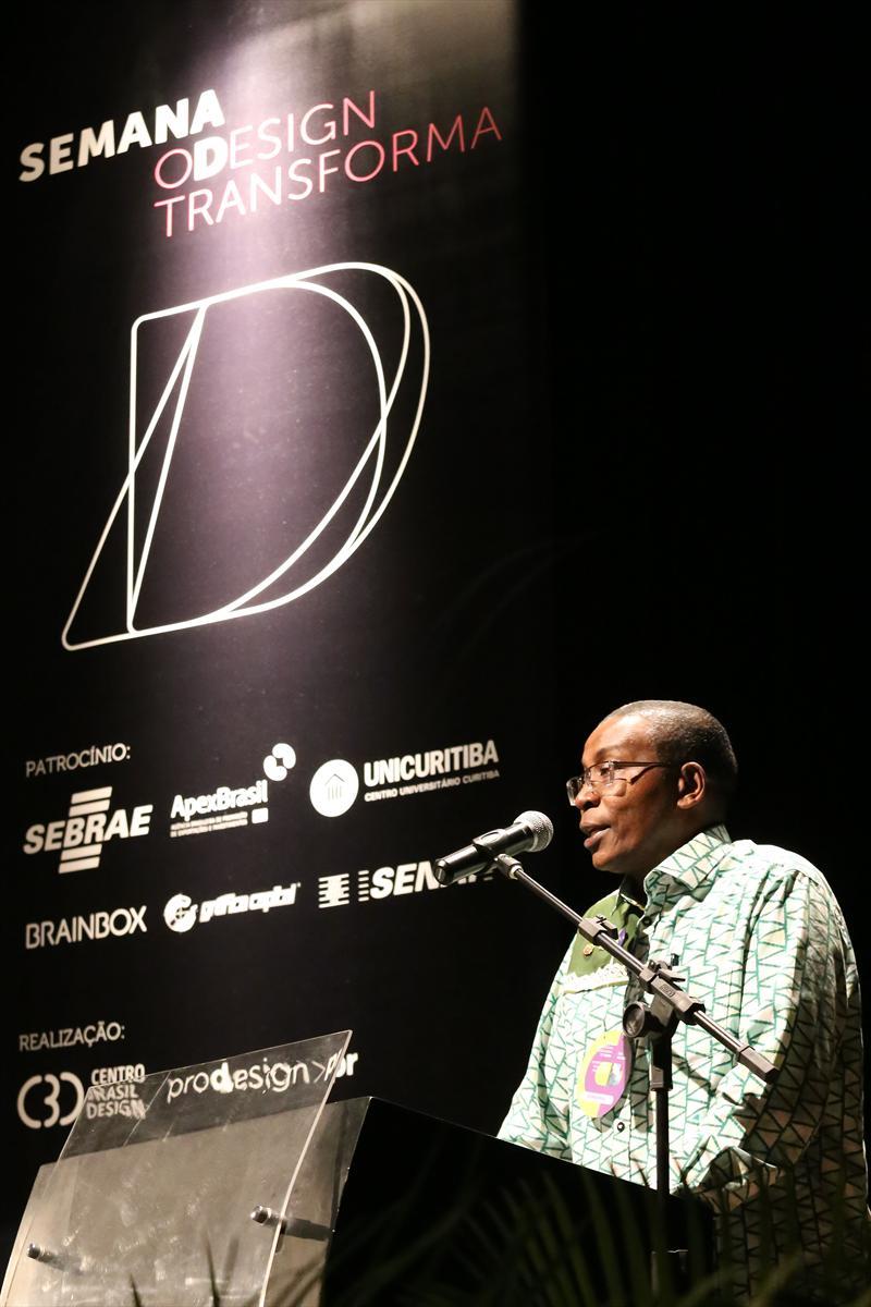 Com a presença de especialistas em design de vários países, começou nesta quarta-feira (5) em Curitiba o 1º Fórum Internacional Cidades Amigas do Design. Foto: Valdecir Galor/SMCS