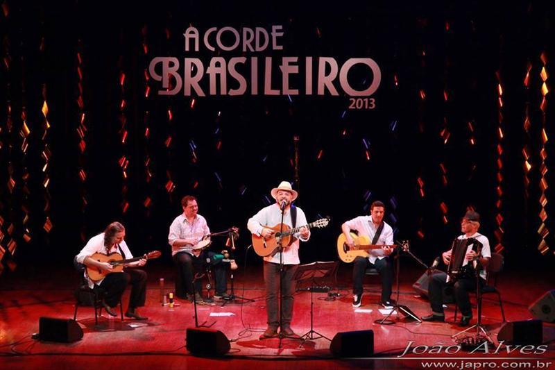 O grupo curitibano Viola Quebrada se apresentam nesta sexta-feira (28) e no sábado (29), às 20h30, no palco do Teatro do Paiol. Foto: Divulgação