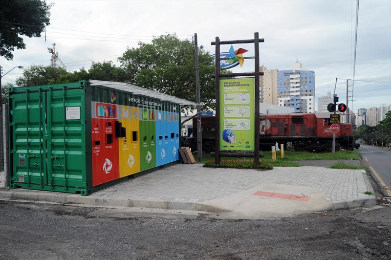 Quarenta dias após ser inaugurada, a primeira Estação de Sustentabilidade de Curitiba, localizada na Regional Boa Vista, coletou 1.502 quilos de lixo reciclável. Curitiba, 08/01/2015 Foto: Everson Bressan/SMCS