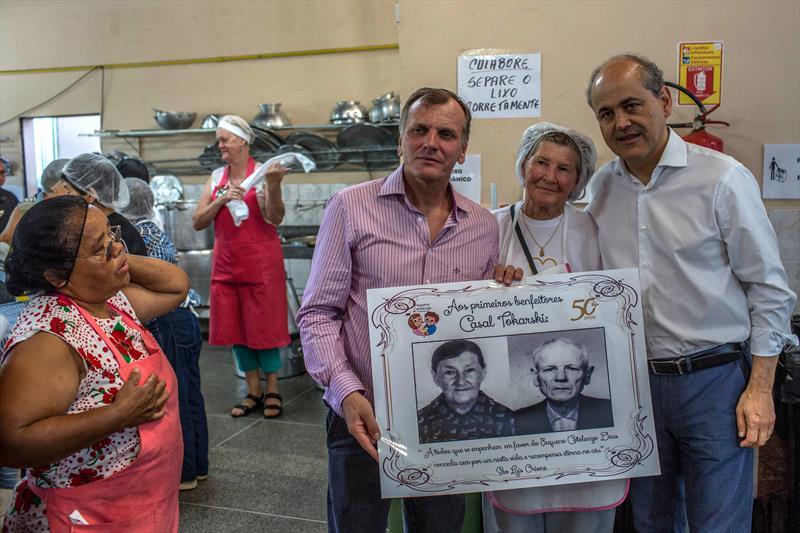 O Prefeito Gustavo Fruet, participa do aniversário de 50 anos do Pequeno Cotolengo. Curitiba, 12/04/2015 FOTO: MAURILIO CHELI
