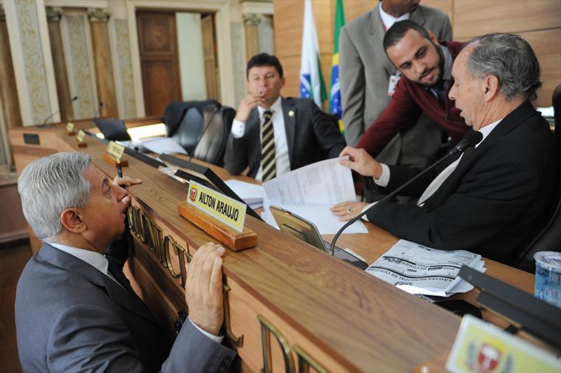A Câmara Municipal de Curitiba aprovou por unanimidade na manhã desta terça-feira (6), em primeira votação, a íntegra do projeto de revisão do Plano Diretor de Curitiba. Curitiba, 06/10/2015- Foto: Everson Bressan/SMCS