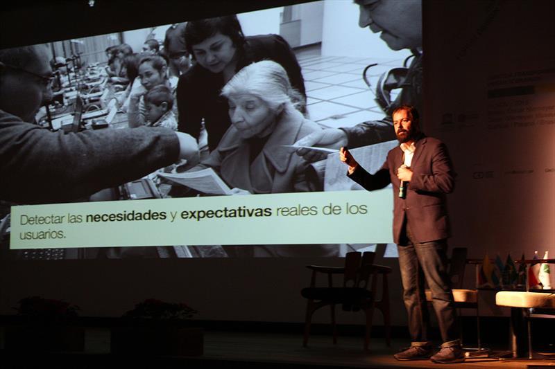 2º  Fórum Internacional Cidades Amigas do Design.  - Na imagem, Cristian Montegu. Curitiba, 05/11/2015 -  Foto: Lucilia Guimarães
