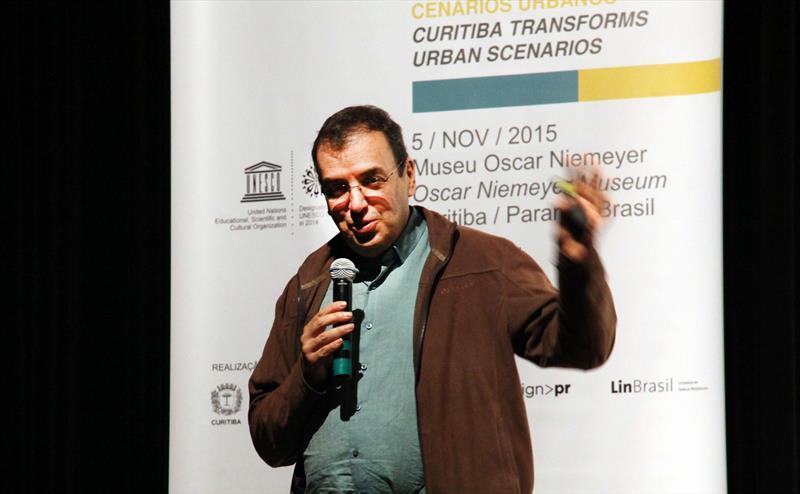 2º  Fórum Internacional Cidades Amigas do Design.  - Na imagem, Jorge Montana.. Curitiba, 05/11/2015 - Foto: Lucilia Guimarães
