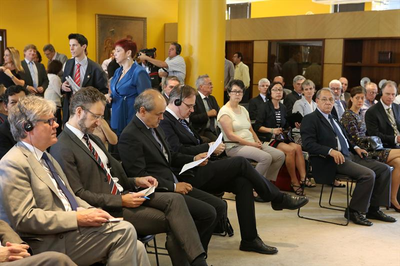 Apresentação dos resultados da cooperação Curitiba Suécia e assinatura de termo de cooperação internacional entre Curitiba e Suécia para a realização do Projeto ParCur. Curitiba, 18/03/2016 Foto:Cesar Brustolin/SMCS