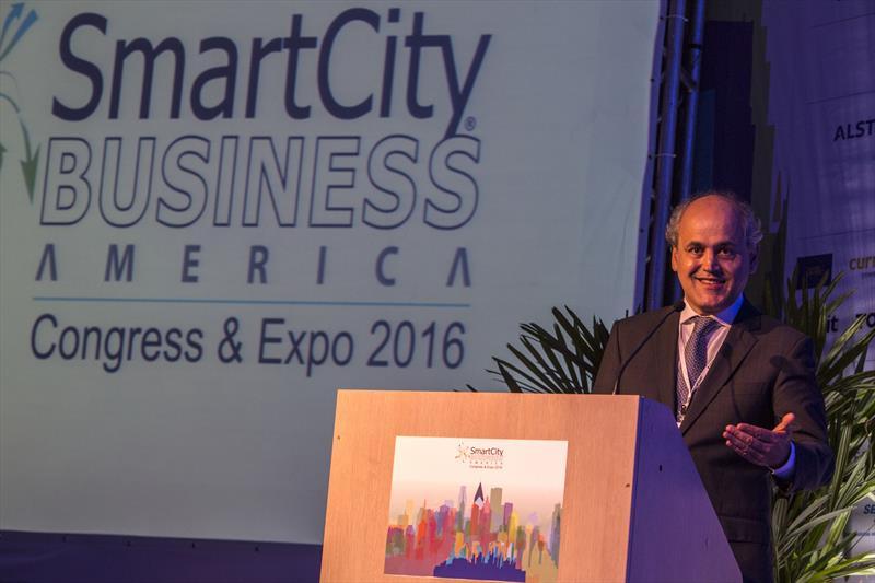 Prefeito Gustavo Fruet, durante a abertura do Congresso SmartCity Business America. Curitiba, 28/03/2016 FOTO: MAURILIO CHELI