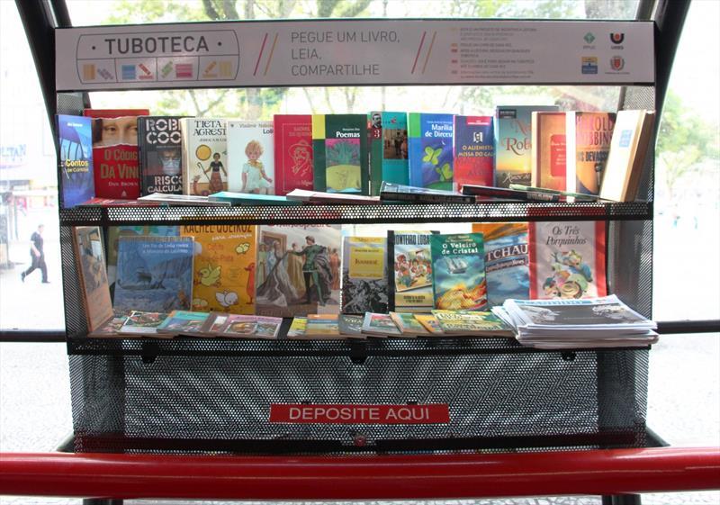 Em seu terceiro ano de funcionamento, as Tubotecas contabilizaram 241 mil livros arrecadados e continuam cumprindo seu objetivo de mobilizar empresas e sociedade para a promover a circulação de livros e o incentivo à leitura. Foto: Cido Marques