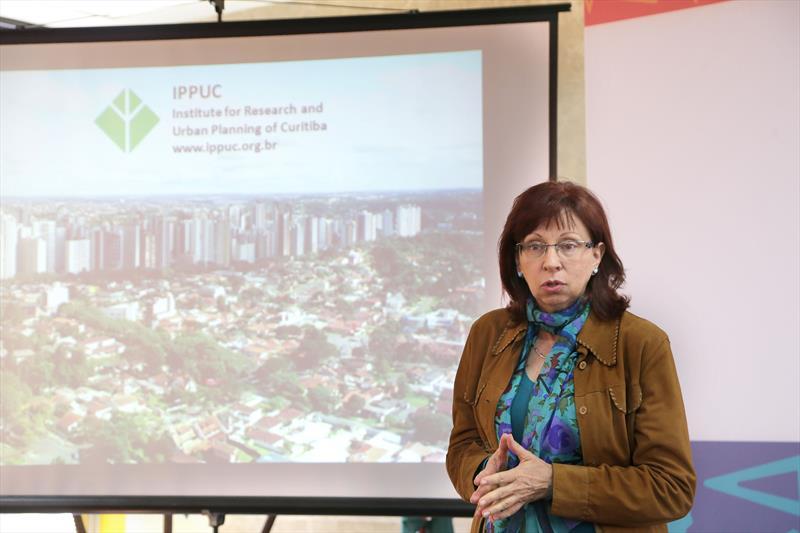 Nesta terça-feira (4), uma delegação holandesa promoveu um workshop sobre mobilidade urbana para servidores da Prefeitura de Curitiba e do Instituto de Pesquisa Planejamento Urbano de Curitiba (Ippuc).  Curitiba,04/04/2017 Fotos: Joel Rocha/ SMCS