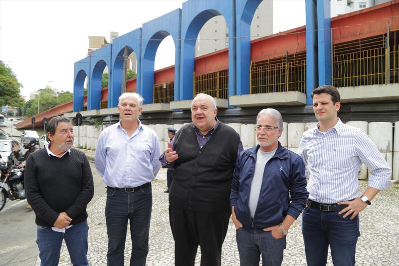 Prefeito Rafael Greca em visita a Regional da Matriz. Na imagem, Rafael visita o viaduto do Capanema. Curitiba, 20/03/2017. Fotos: Joel Rocha/ SMCS