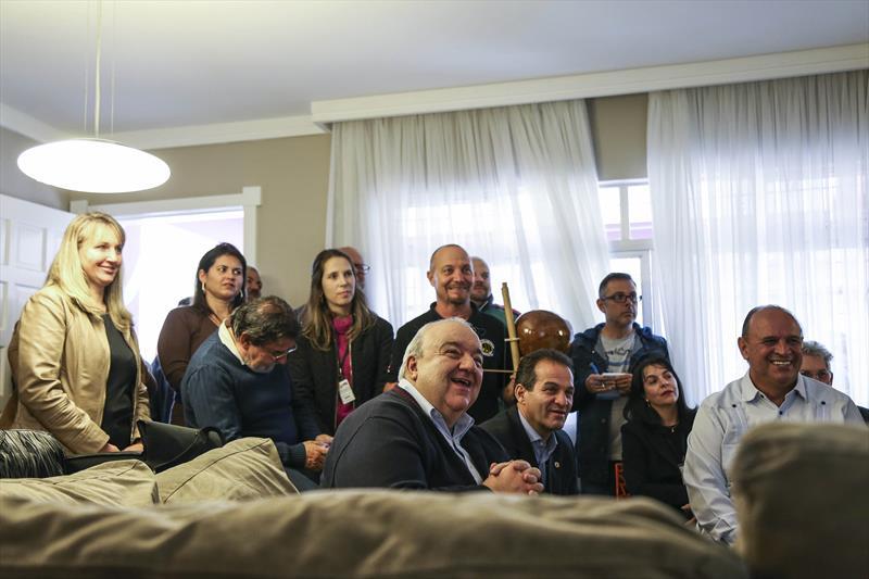 Prefeito Rafael Greca visita a Unidade de Acolhimento no Novo Mundo, na Regional Pinheirinho. Curitiba, 05/05/2017. Foto: Pedro Ribas/SMCS