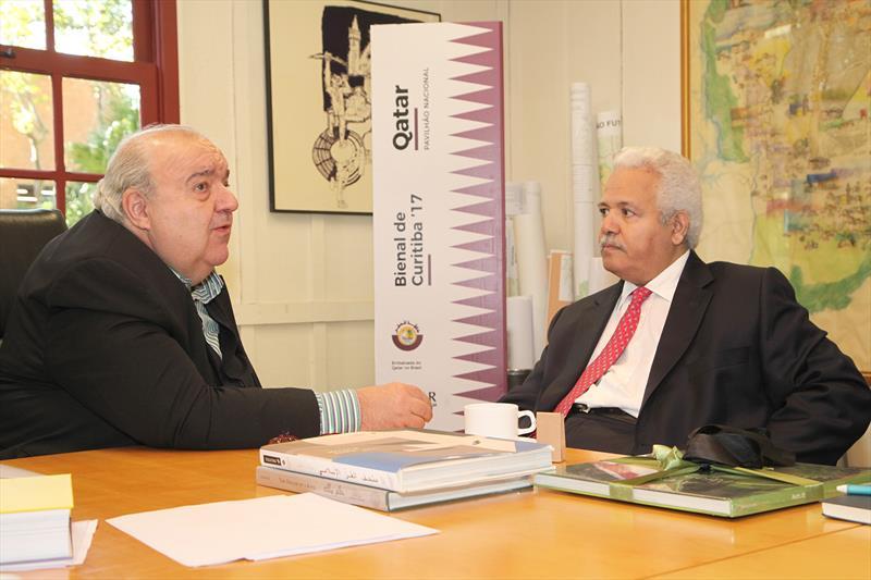 Encontro do prefeito Rafael Greca com o embaixador do país no Brasil, Mohamed Ahmed Al-Hayki, no Instituto de Pesquisa Planejamento Urbano de Curitiba (Ippuc). Esta foi a primeira visita de um embaixador do Qatar ao Paraná. Curitiba, 25/05/2017 Foto:Ari Dias/IPPUC