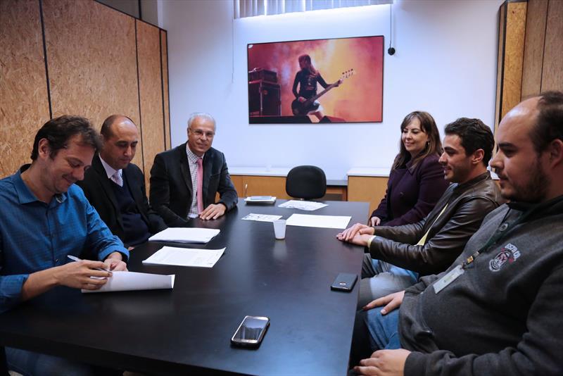 A Agência Curitiba de Desenvolvimento fechou novas parceria com importantes empresas que apoiam a causa do empreendedorismo feminino em Curitiba.  Foto:Cido Marques/FCC