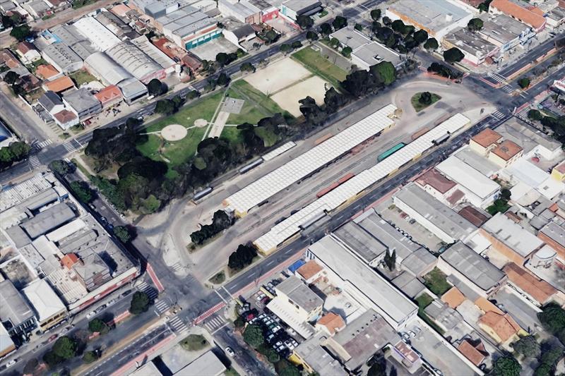 Hauer, Campina do Siqueira e Tatuquara terão novos terminais de ônibus. Construído em 1981, o Terminal Hauer ocupa uma área de aproximadamente 12.998,00m² e atende 68 mil passageiros por dia, distribuídos em 13 linhas.  Foto:Divulgação IPPUC
