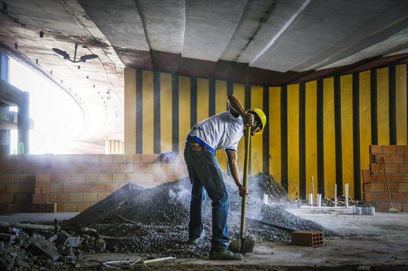 Obras do REstaurante Popular do viaduto do Capanema. Curitiba, 03/10/2017. Foto: Pedro Ribas/SMCS