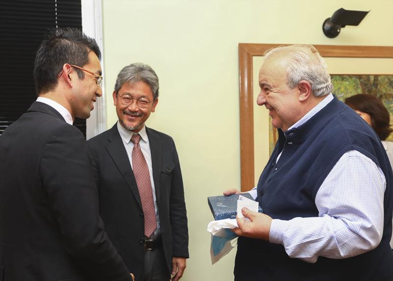 Prefeito Rafael Greca recebe a JICA - Agência de Cooperação Internacional do Japão, no gabinete - Curitiba, 09/10//2017 - Foto: Daniel Castellano / SMCS