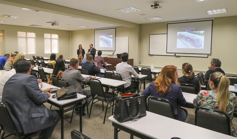 Reuniao técnica na OAB para discussão do projeto do ligeirão Norte-Sul com o Engenheiro do IPPUC Mauro Magnabosco - Curitiba, 23/02/2018 - Foto: Daniel Castellano / SMCS