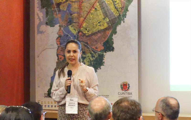 A revisão da Lei de Zoneamento, Uso e Ocupação do Solo e a adequação da metodologia para a implementação dos Planos Setoriais, integrantes do Plano Diretor de Curitiba, foram discutidas na 47ª Reunião Ordinária do Conselho da Cidade (Concitiba), nesta quinta-feira (22/03), no Instituto de Pesquisa e Planejamento Urbano de Curitiba (Ippuc). Curitiba, 22/03/2018 Foto:Cesar Cubas/IPPUC