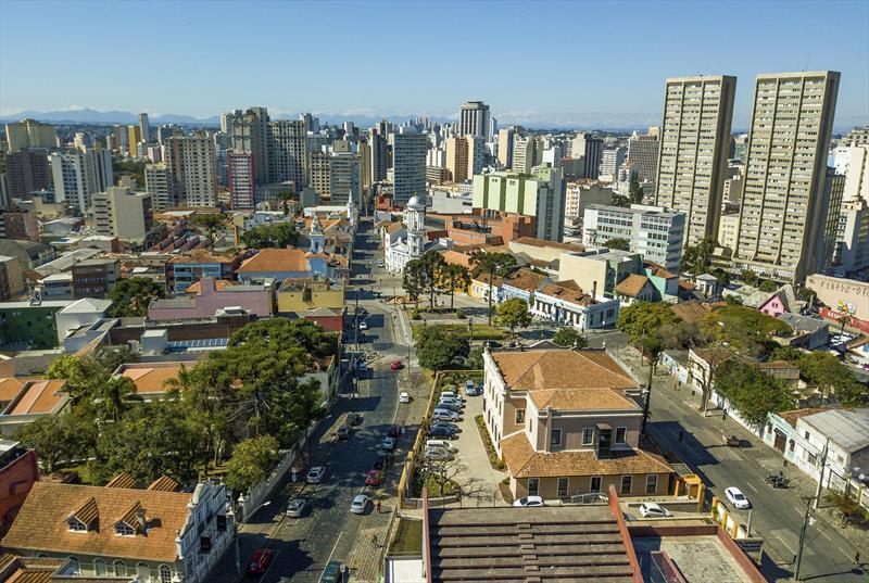 Curitiba reúne urbanistas das três Américas em evento pioneiro. - Na imagem, vista do Centro histórico. Curitiba, 11/12/2017 - Foto: Daniel Castellano / SMCS