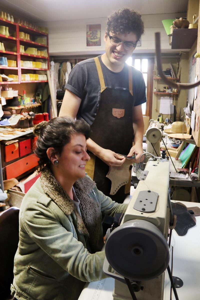 Coletivo transforma Curitiba em referência na moda sustentável.   - Na imagem, Renan Almeida e Bruna Andrade. Curitiba, 28/06/2018 -  Foto: Lucilia Guimarães/SMCS