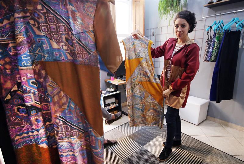Coletivo transforma Curitiba em referência na moda sustentável.   - Na imagem, Daiana Lopes.  Curitiba, 28/06/2018 -  Foto: Lucilia Guimarães/SMCS