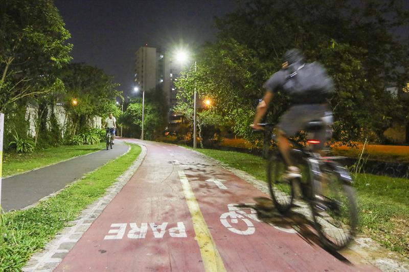 O Instituto de Pesquisa e Planejamento Urbano de Curitiba (Ippuc) está revisando o Plano Cicloviário de Curitiba, uma das cidades pioneiras na criação de ciclovias no Brasil. . - Curitiba, 12/09/2017 - Foto: Daniel Castellano / SMCS
