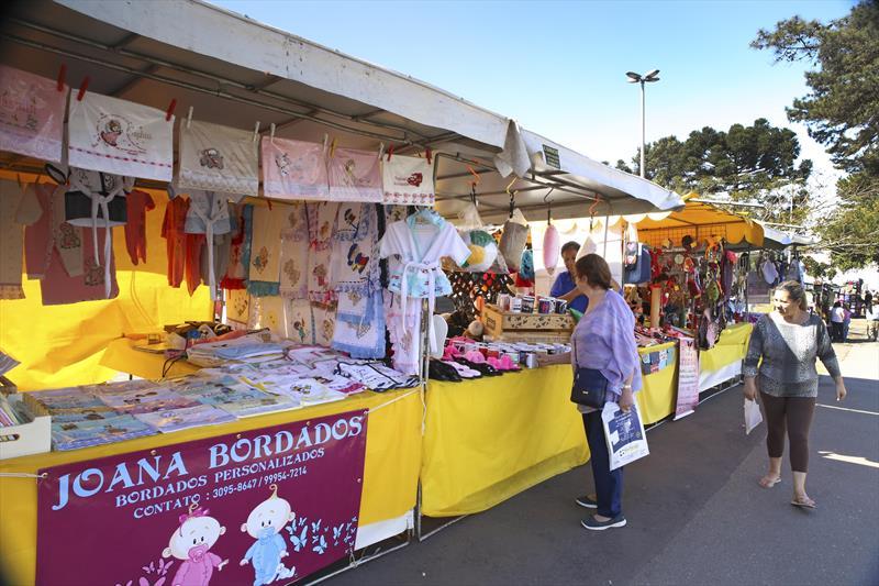Feira de artesanato na Rua da Cidadania do Pinheirinho. Curitiba, 31/08/2018 -  Foto: Cesar Brustolin/SMCS