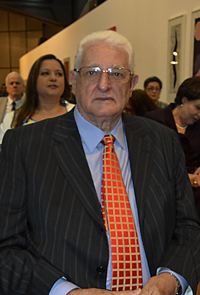 O prefeito Rafael Greca entrega, nesta sexta-feira, as primeiras medalhas e diplomas da Ordem Municipal da Luz dos Pinhais de Curitiba. Curitiba, 21/09/2018. Foto: Levy Ferreira/SMCS