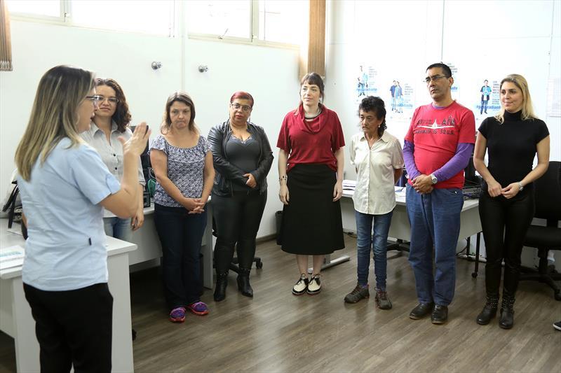 A Assessoria dos Direitos da pessoa com deficiência, promove atividades de inclusão para servidores que atendem no armazém da família. Curitiba, 10/10/2018. Foto: Luiz Costa /SMCS.