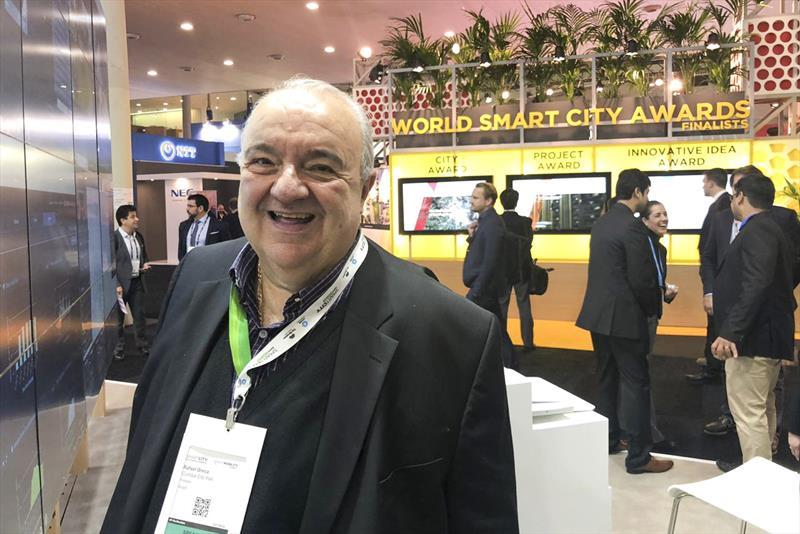 Smart City Expo World Congress Barcelona 2018. Na imagem, prefeito Rafael Greca visitou, no primeiro dia do Smart City Expo World Congress, os estandes que tem 840 expositores. Barcelona, 13/11/2018 Foto:Divulgação