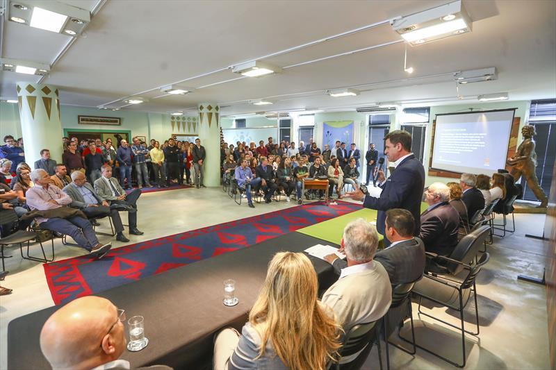 Lançamento UniverCidade Programa de Estágios em Secretarias e IPPUC no Salão Brasil, Prefeitura de Curitiba. Na imagem fala do Presidente do IPPUC Luiz Fernando Jamur - Curitiba, 21/11/2018 - Foto: Daniel Castellano / SMCS