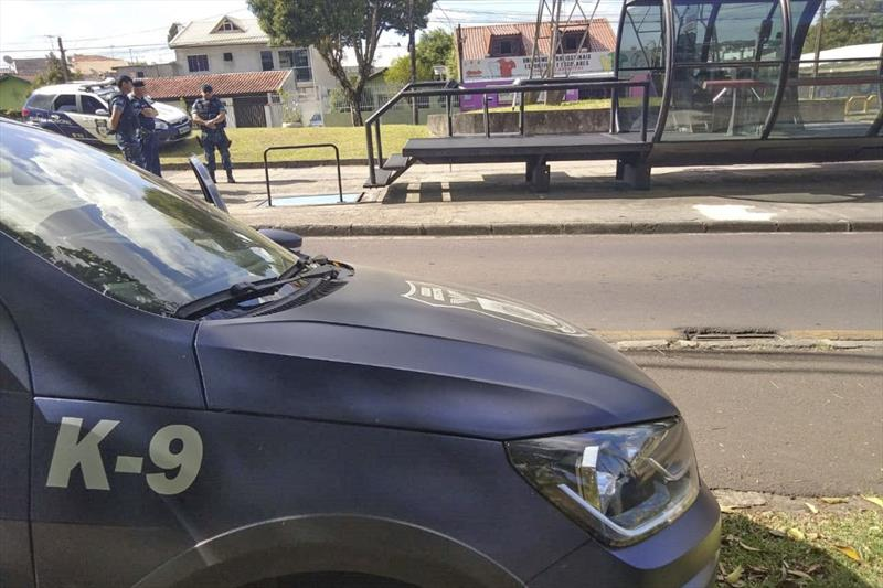 Guardas municipais do núcleo Boqueirão deflagraram uma nova operação de prevenção, com foco no transporte coletivo. Foto: Divulgação/GMC