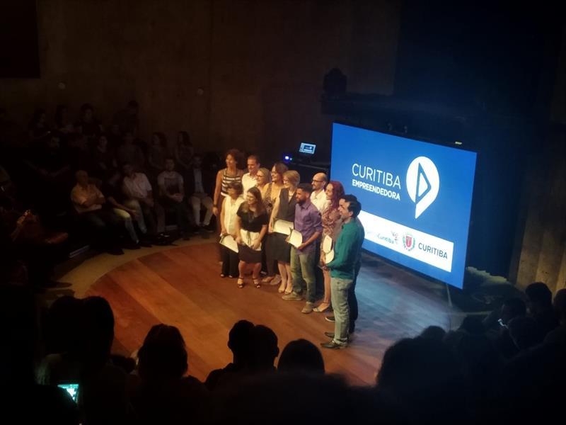O Teatro do Paiol foi palco, na noite de quinta-feira (6/12), da cerimônia de encerramento da programação de capacitações para microempreendedores individuais (MEIs) de 2018. Foto: Divulgação