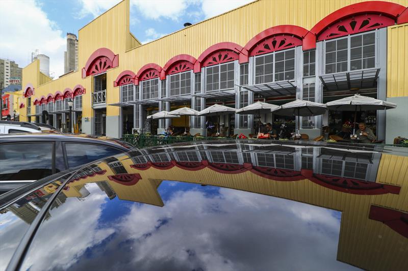 Caixas de areia, pazinhas e baldinhos fazem parte da programação de férias gratuita do Mercado Municipal de Curitiba, que começa no sábado (19/1), às 11h, e integra o Verão de Curitiba 2019. Foto: Daniel Castellano / SMCS