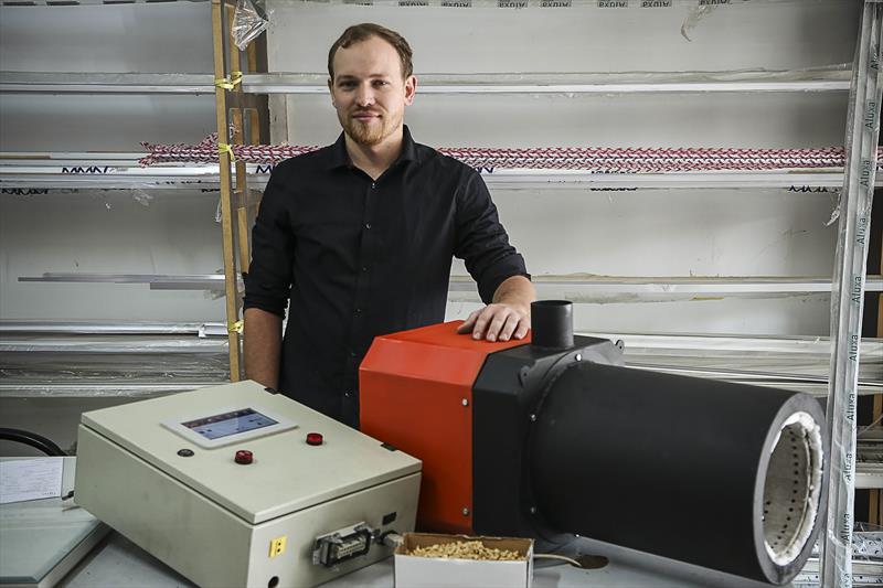 Startup curitibana IGNI desenvolve geradores de energia por meio de biomassa para industria. Na imagem, o empreendedor Rafael Mocelin. Curitiba,04/02/2019. Foto: Luiz Costa /SMCS