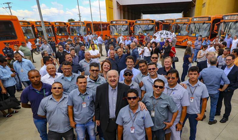 Prefeito Rafael Greca participa da entrega de 40 ônibus novos para o transporte coletivo de Curitiba na Rua da Cidadania do Cajuru - Curitiba, 07/02/2019 - Foto: Daniel Castellano / SMCS