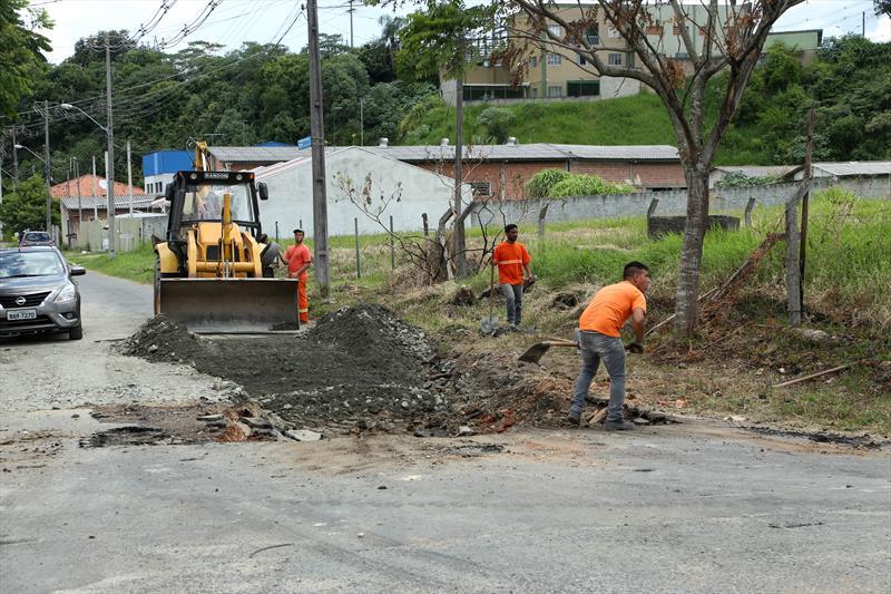 Tapa buraco na rua Dona Nenê Atuba. Curitiba, 08/02/2019. Foto: Luiz Costa /SMCS.